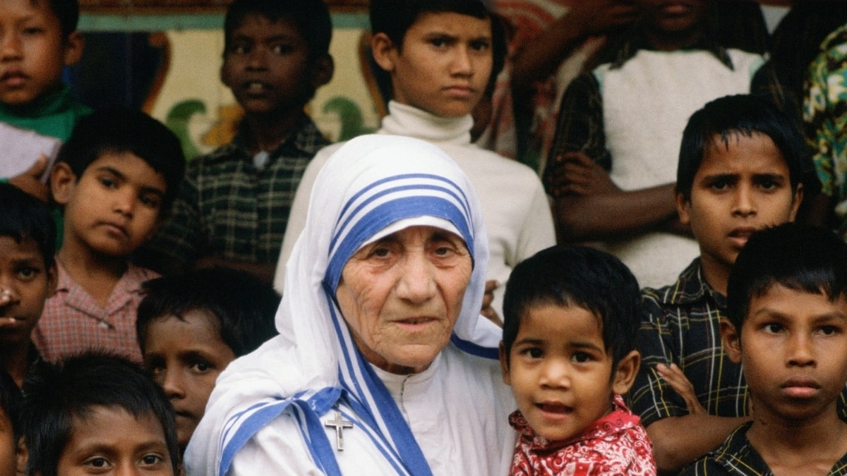 71 Mother Teresa Quotes To Spread Love In The World